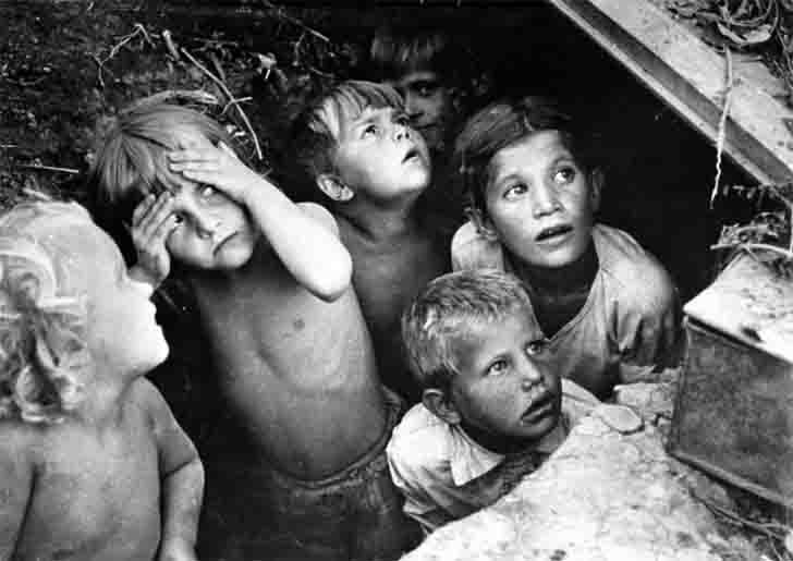Stalingrad children hiding from the Nazi bombardment