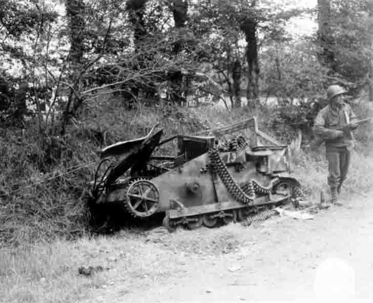 Destroyed Renault 31R tankette
