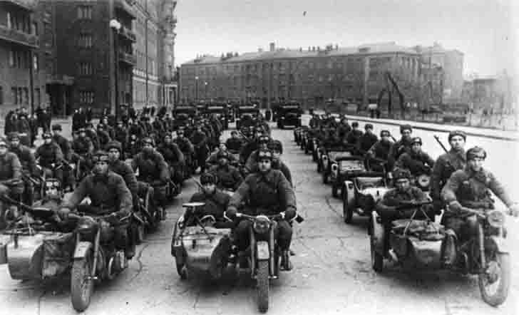 M-72 heavy motorcycles