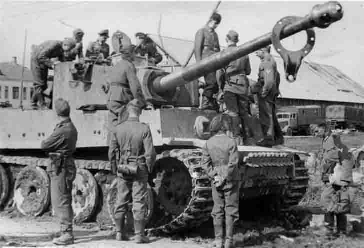 German tiger tank before the first battle