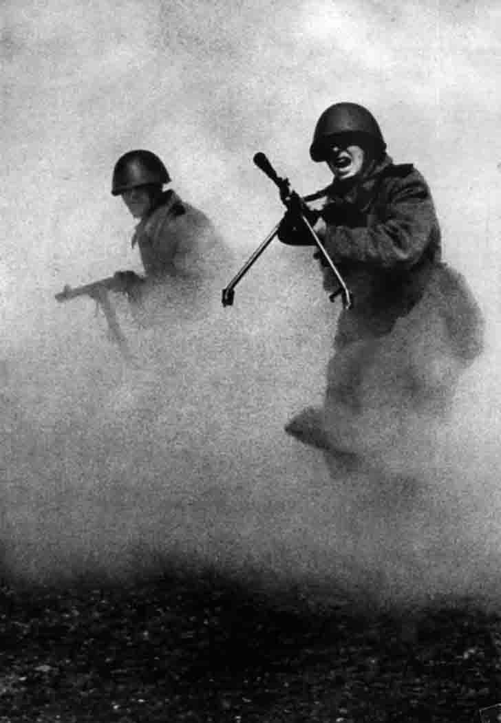 Russian infantry ww2 attack