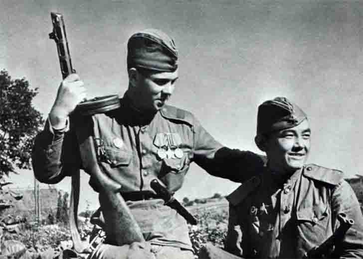 Russian scouts Efremov and Ashirov