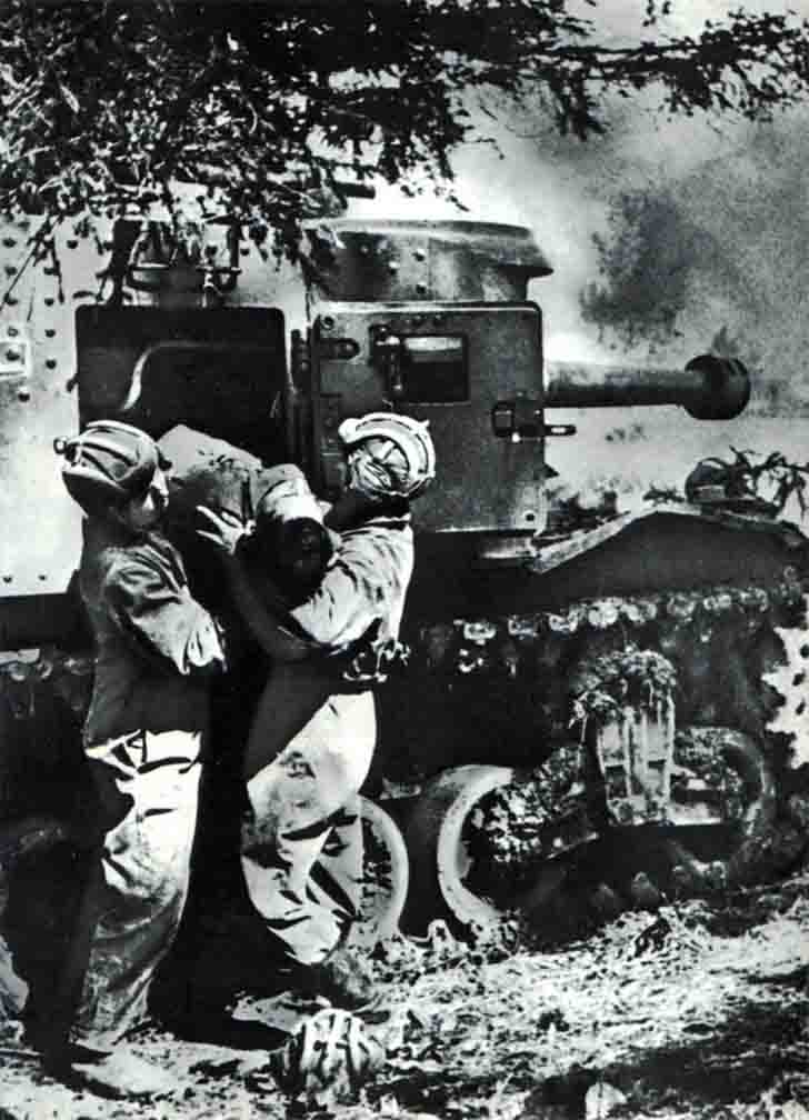 "The evacuation of the seriously wounded tanker M3 ""General Lee"" Tank"