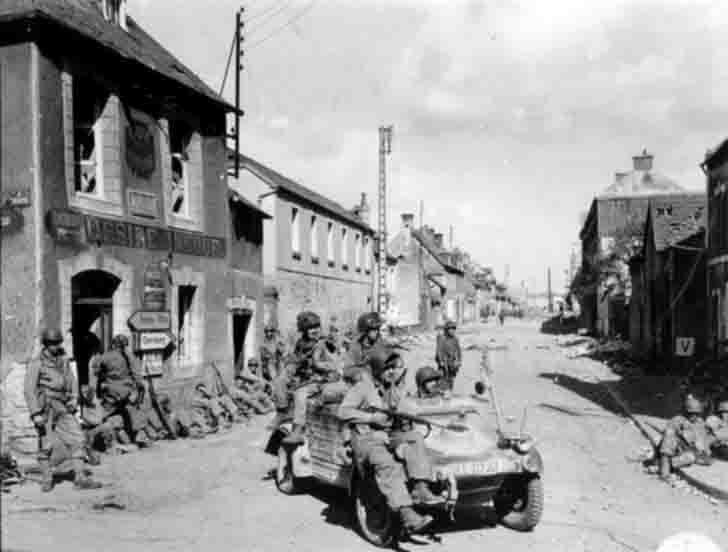 American paratroopers in the trophy car «Kübelwagen»