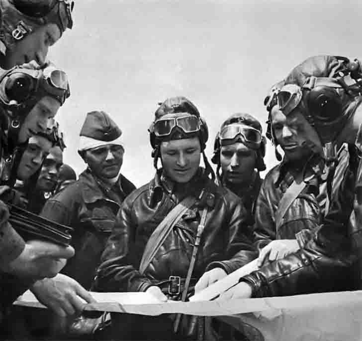 Soviet pilots before a combat mission