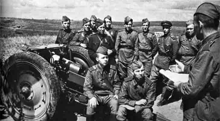 Communist Party meeting in the Soviet artillery battery