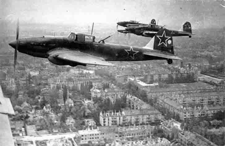 IL-2 Sturmovik from the 4th Air Force in the sky over Berlin