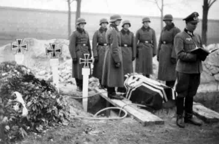The funeral of a German soldier
