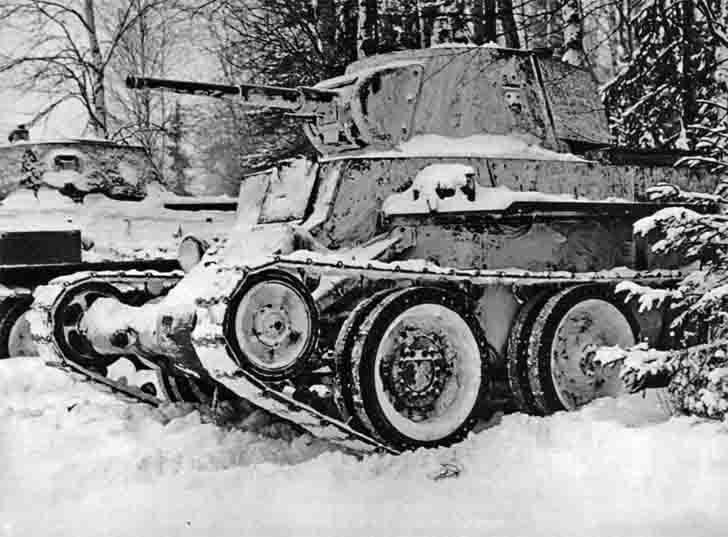BT-7, T-34