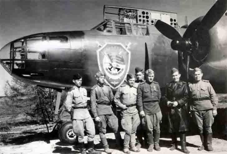 "Soviet crew of A-20 ""Boston"" bomber"