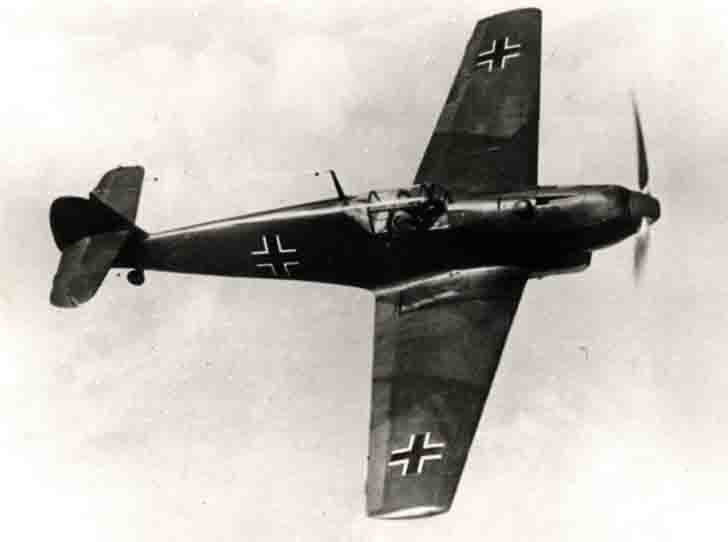 Messerschmitt Bf.109E-3 in flight