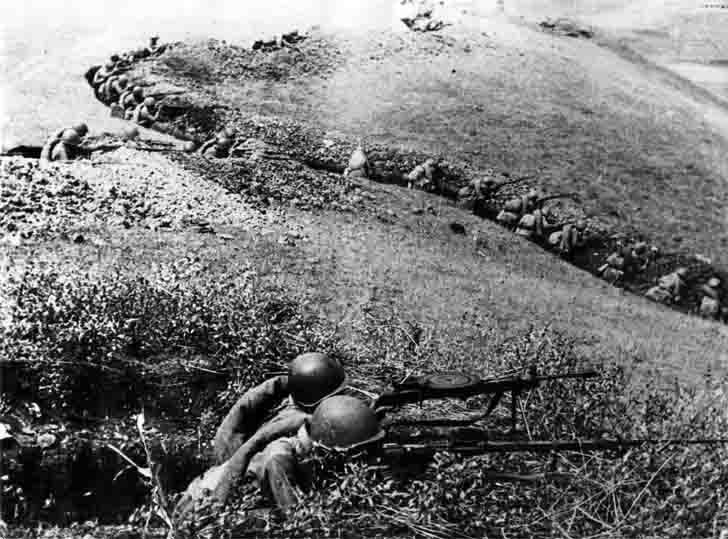 Soviet infantry on the defensive in the battle for the Caucasus