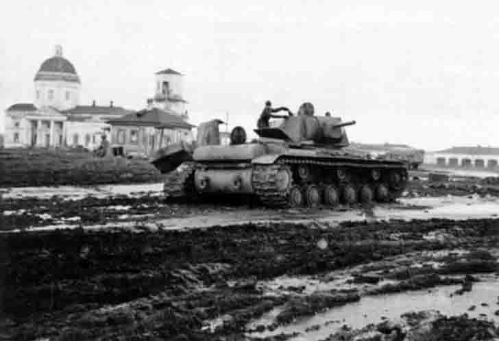 Destroyed KV-1 heavy tank on the Market square in Mzensk