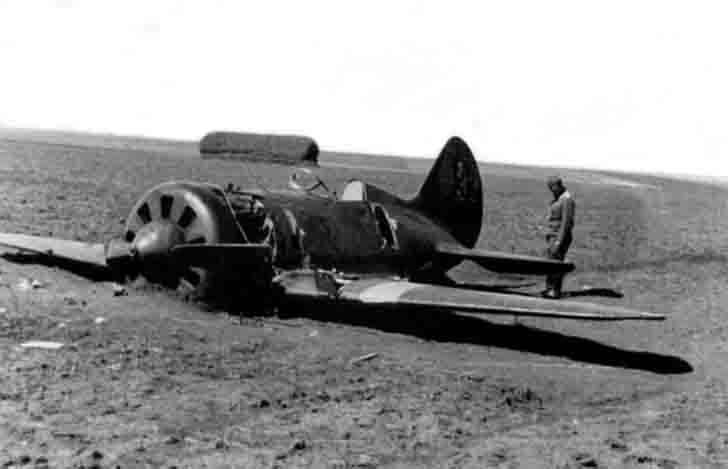 I-16 fighter after an emergency landing
