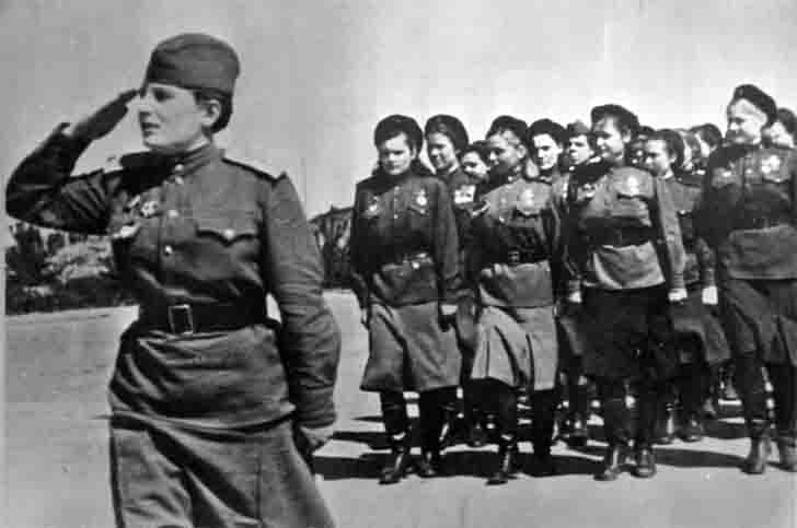 Female soldiers of the Taman Division