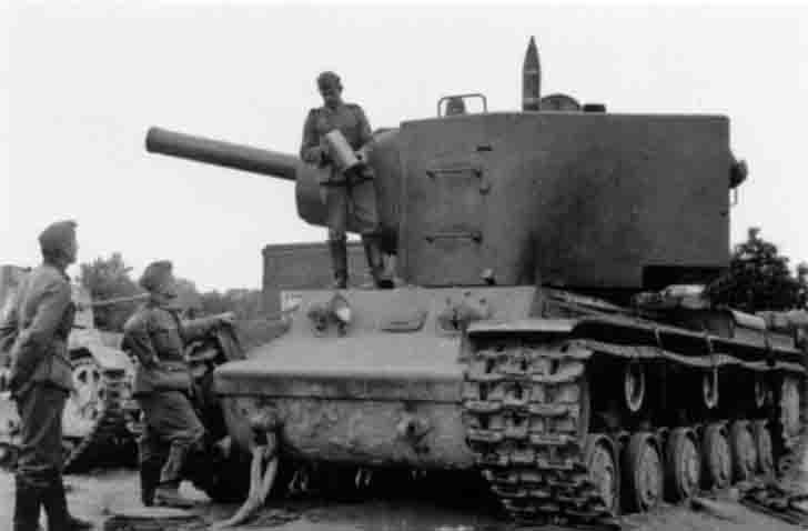 German soldiers examine abandoned KV-2 heavy tank