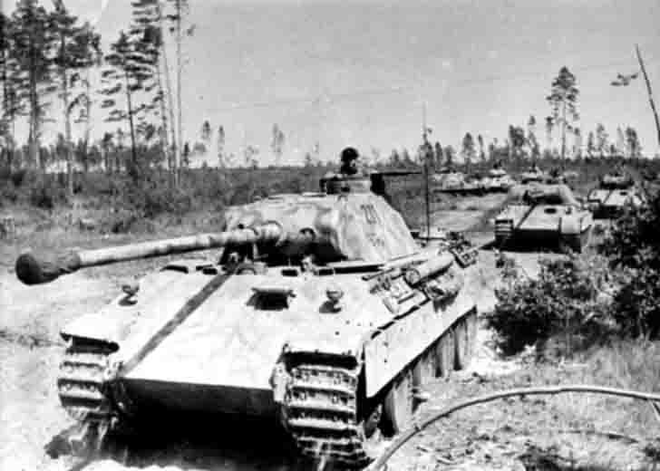 """Panther"" medium tanks in the area of Oryol"