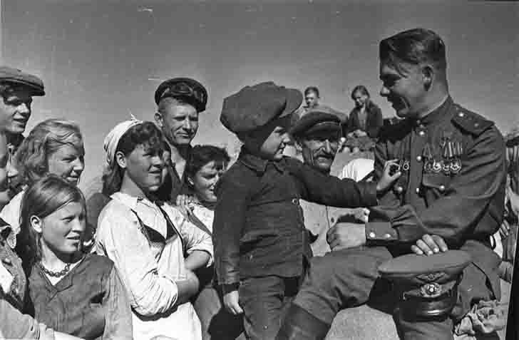 Hero of the Soviet Union guards major Nicholas Pinchuk
