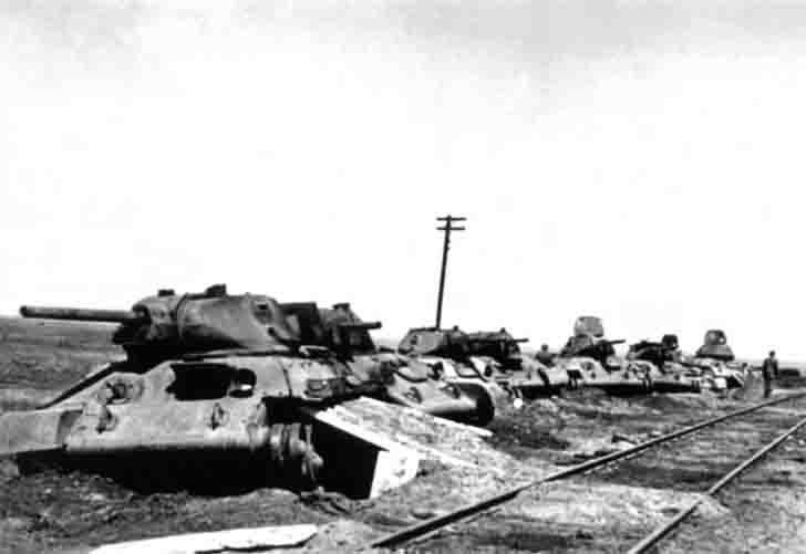Emergency Soviet T-34-76 tanks in the Battle of Stalingrad