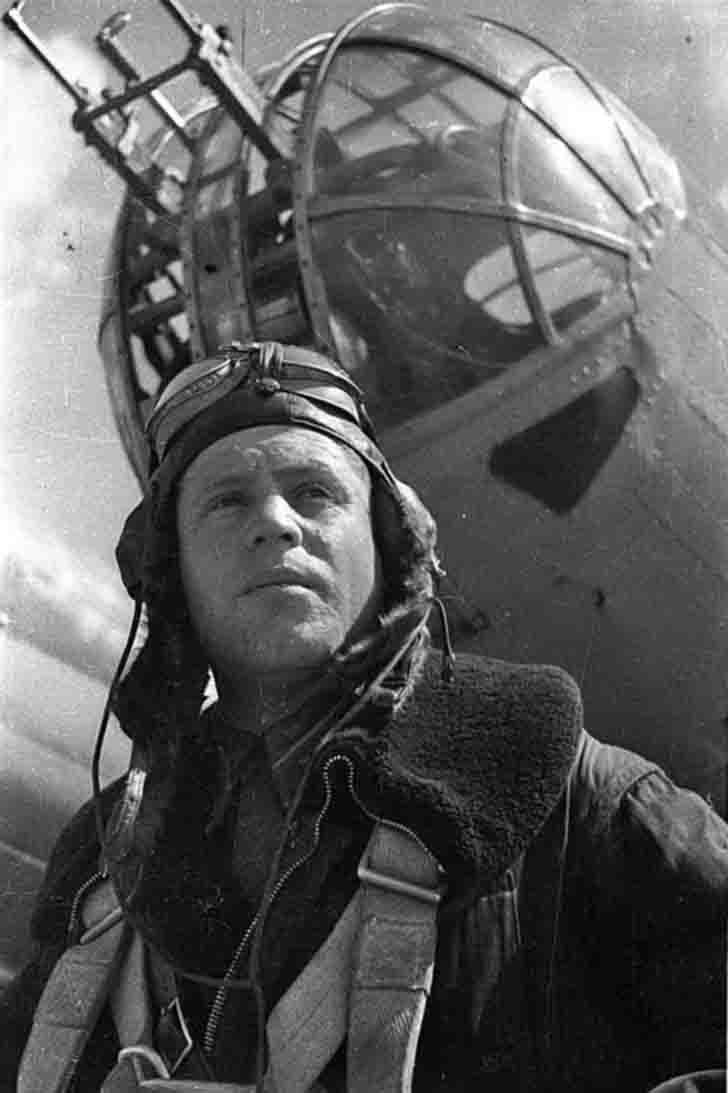 Navigator First Lieutenant Osipov near his SB-2M-100A bomber