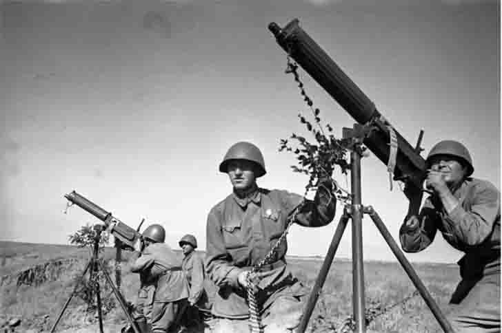 "Soviet anti-aircraft ""Maxim"" heavy machine guns"