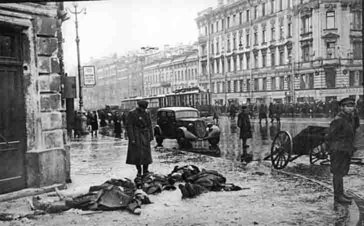 Civilians - Victims of artillery bombardments of Leningrad