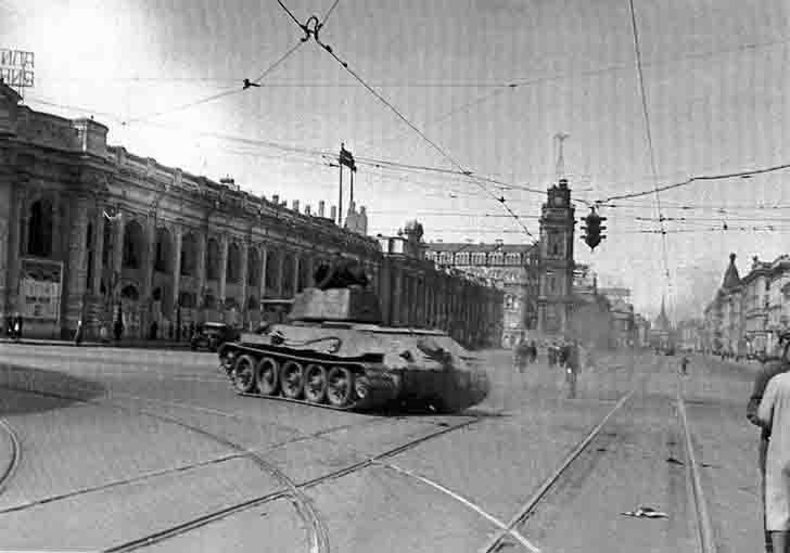 T-34 medium tank in the besieged Leningrad