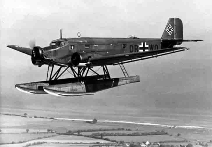 Float modification of the Junkers Ju-52 transport aircraft