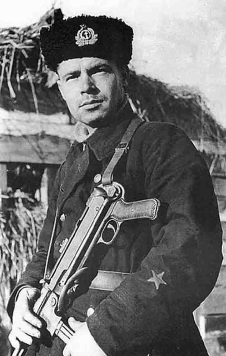 Red Navy man with captured German submachine gun MP.38