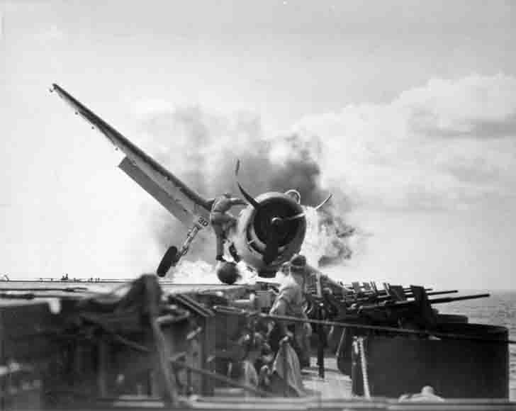 "Emergency landing of F6F-3 fighter on the ""Enterprise"" aircraft carrier"