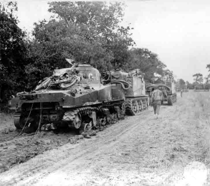 "Evacuation of the damaged American ""Sherman"" medium tank"