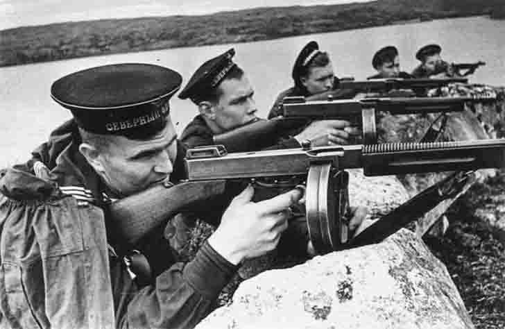 Soviet sailors with American Thompson M1928A1 submachine guns