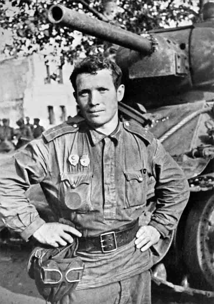 The commander of the T-34 tank Guard Lieutenant N.P. Borozdnov