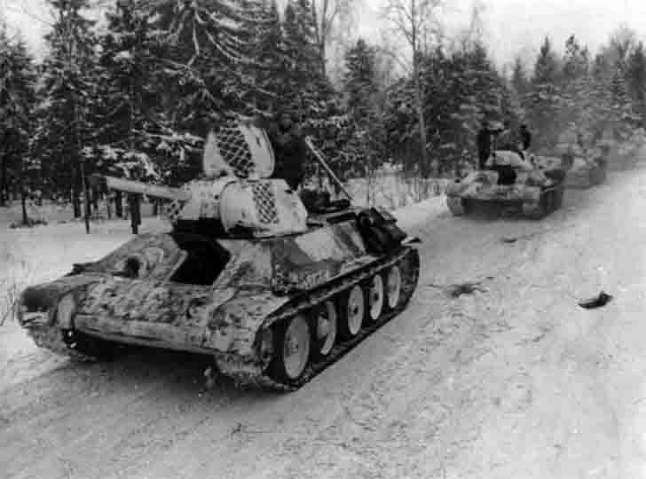 T-34-76 medium tanks of 1st Guards Tank Brigade in winter camouflage