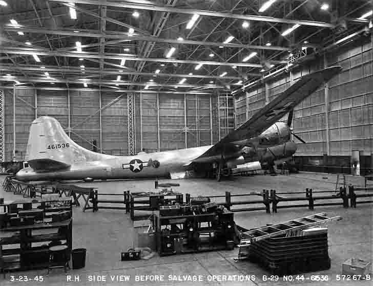 Crash of the B-29 bomber in the factory Boeing