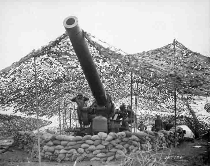 The American 240 mm howitzer M1 in Mignano, Italy
