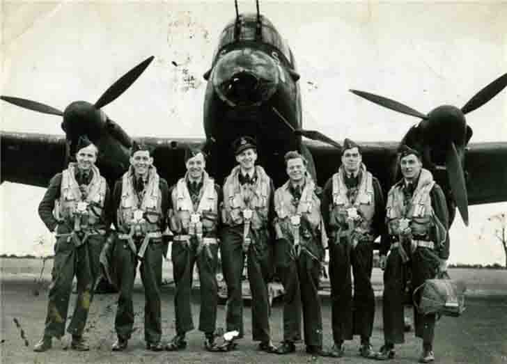 "The crew of the ""Avro Lancaster"" bomber"