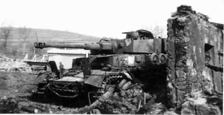 Destroyed PzKpfw IV medium tank