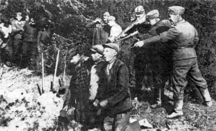 The Nazis shot civilians in Kaunas