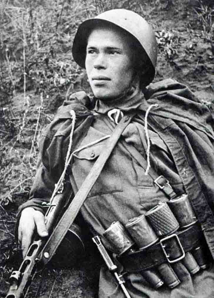Frontline Scout N. Romanov with a sub-machine gun and four hand grenades