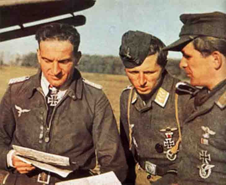 Hans-Ulrih Rudel and other Luftwaffe pilots