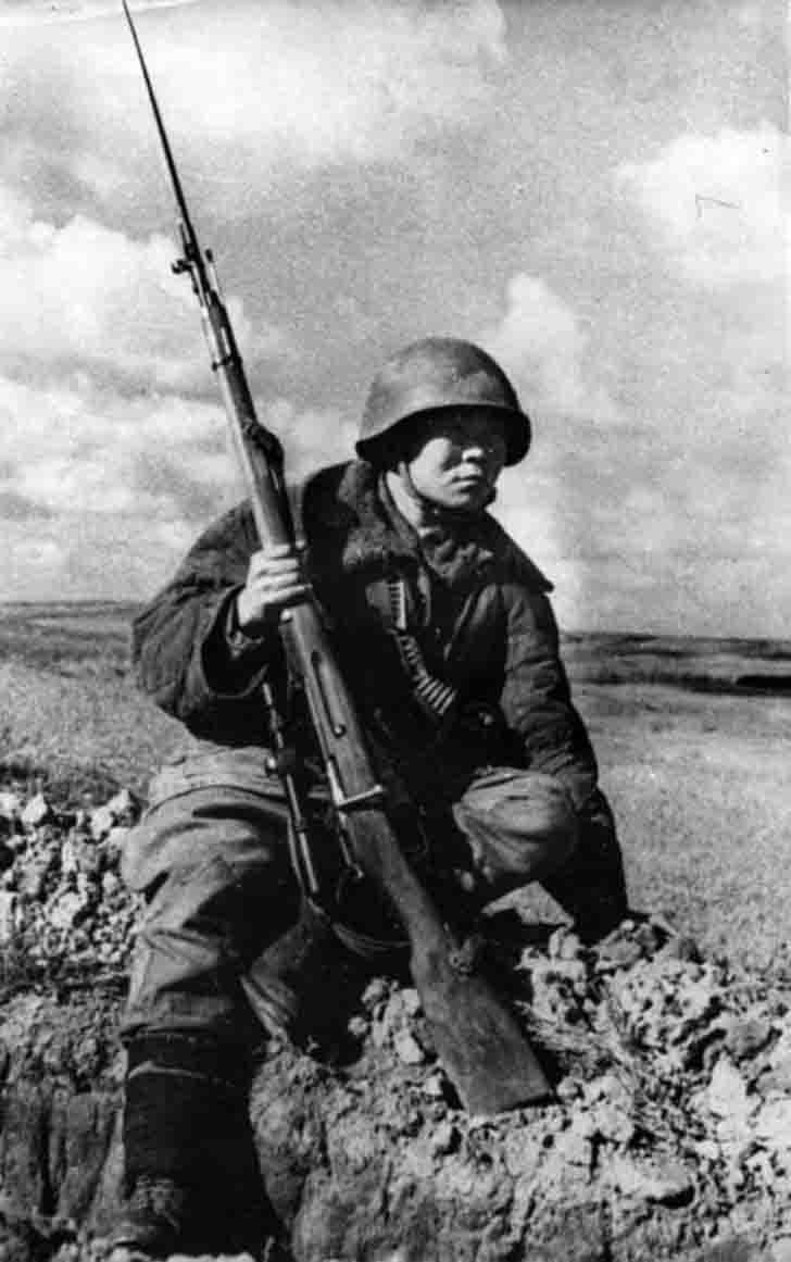 Soviet sniper Maxim Passar