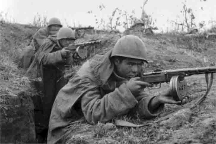 Soviet submachine gunners at the firing position