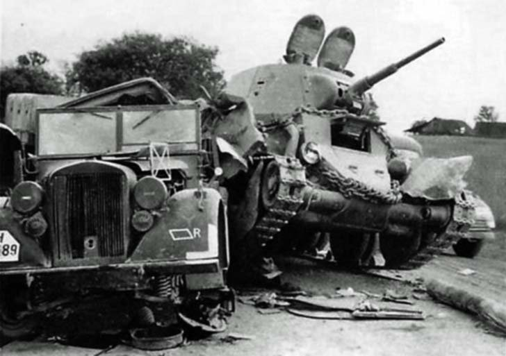 Tank BT-7 hit a German staff car