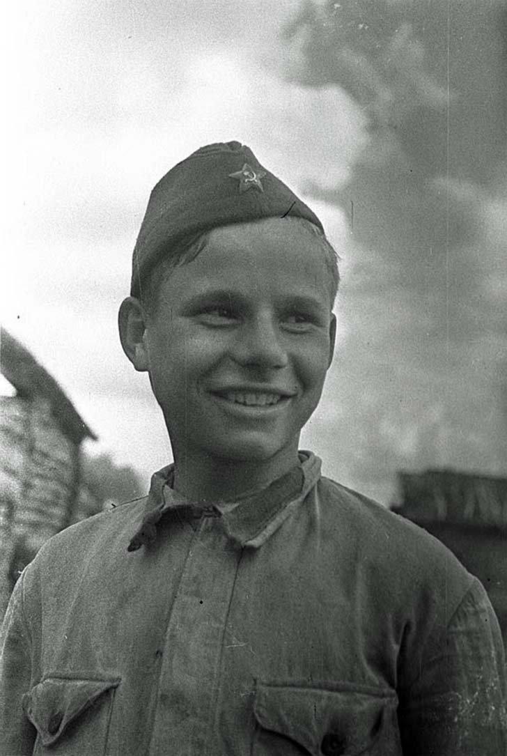 Young Russian scout Alexei Yablokov