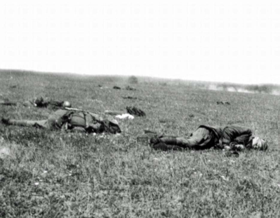 Killed during the attack the soldiers of the Red Army