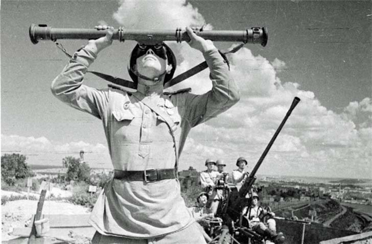 Soviet anti-aircraft gunners in liberated Sevastopol