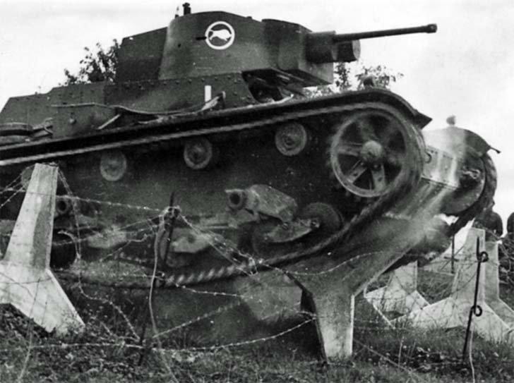Polish tank 7TR invades Czechoslovakia