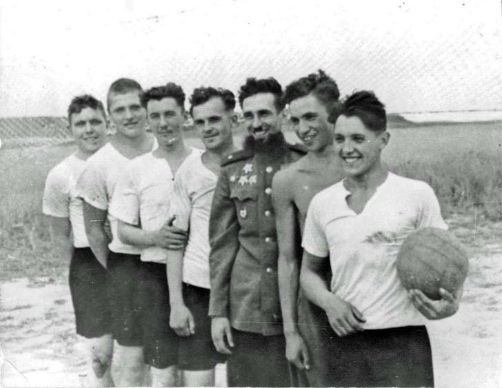 The volleyball team of 88-th separate heavy tank regiment