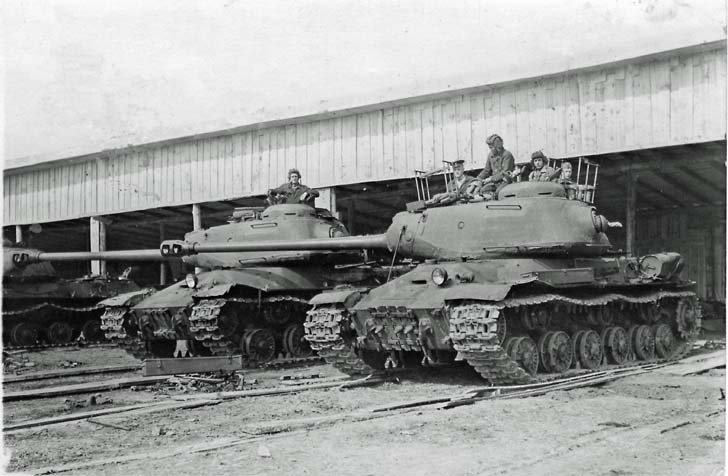JS-2 tanks from the 74th Heavy Tank Regiment